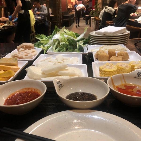Foto diambil di 99 Favor Taste 99號餐廳 oleh Lisa G. pada 6/7/2019