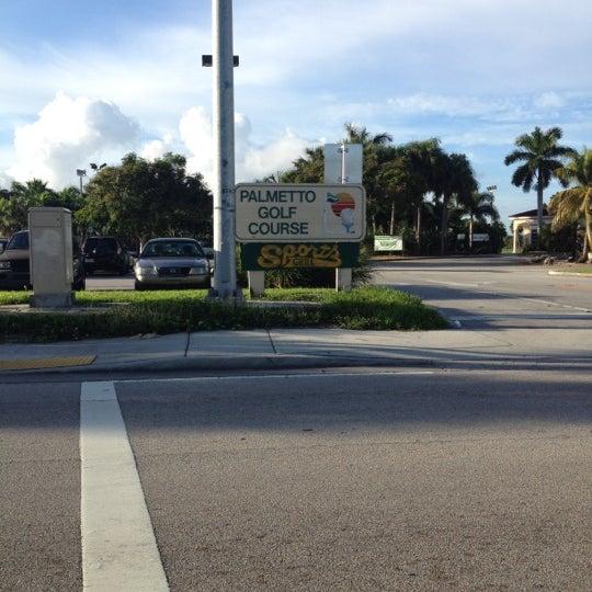 Das Foto wurde bei Palmetto Golf Course von Eddie R. am 10/6/2012 aufgenommen