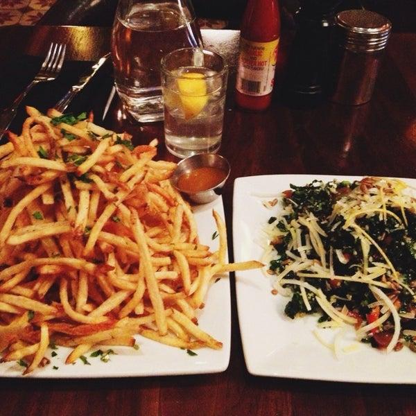 7/10/2013에 Kassia P.님이 The Misfit Restaurant + Bar에서 찍은 사진
