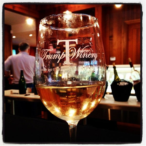 Photo prise au Trump Winery par Meg L. le9/28/2012
