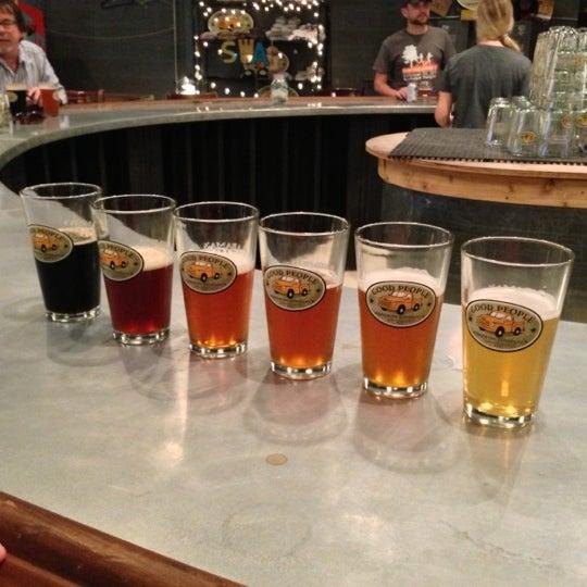 Foto diambil di Good People Brewing Company oleh Meg L. pada 10/13/2012
