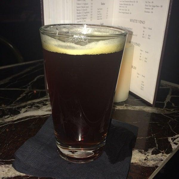 1/20/2014에 Quincy F.님이 Salvage Bar & Lounge에서 찍은 사진