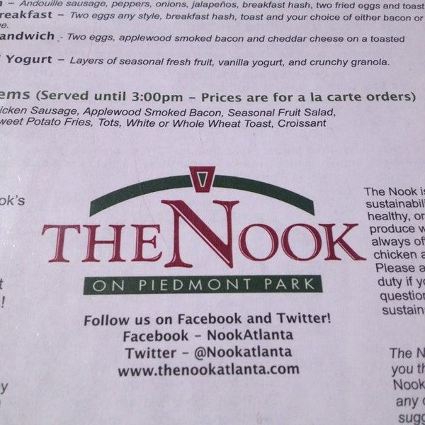 Das Foto wurde bei The Nook on Piedmont Park von Ranfy L. am 4/21/2013 aufgenommen