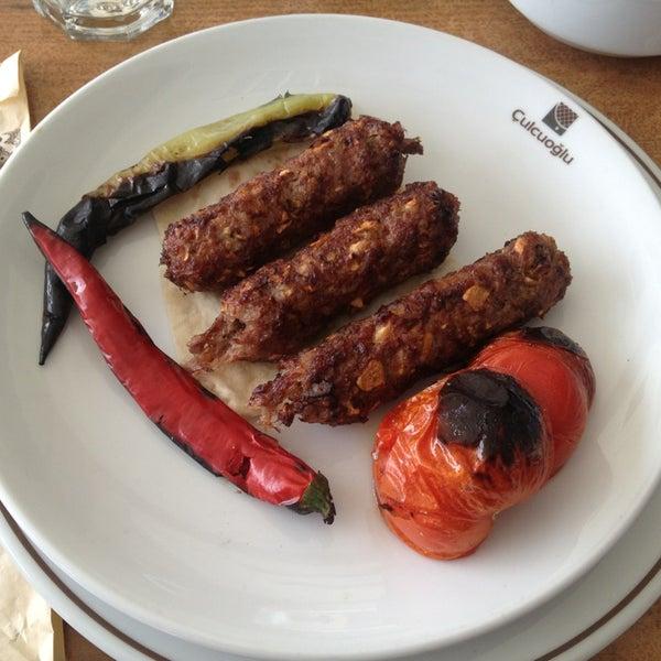 Снимок сделан в Çulcuoğlu Restaurant пользователем Alparslan A. 3/15/2013
