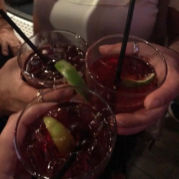 Foto scattata a Bourbon Street Restaurant and Catering da Cigdem S. il 8/20/2017