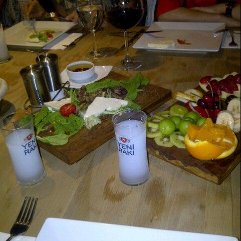 5/17/2013 tarihinde Elif Figen ç.ziyaretçi tarafından Mint Restaurant & Bar'de çekilen fotoğraf