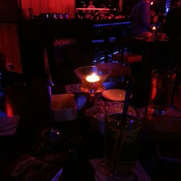 Foto tomada en Kalina Bar Restaurant por Müge el 3/30/2013