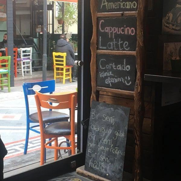 4/14/2018 tarihinde Aylin M.ziyaretçi tarafından Tosbağa Cafe'de çekilen fotoğraf