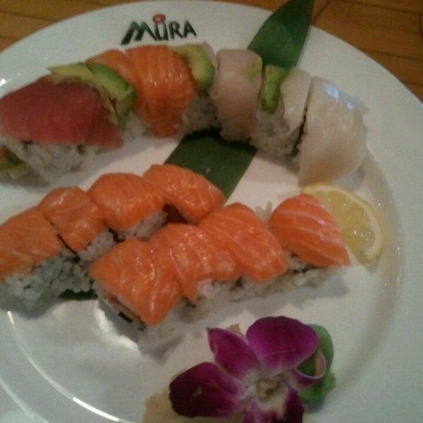 Das Foto wurde bei Mura Japanese Restaurant von Amy T. am 3/10/2013 aufgenommen