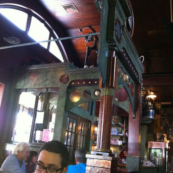Foto scattata a Deluxe Station Diner da Bobby B. il 6/23/2013