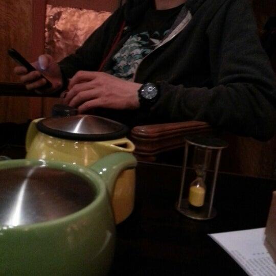 รูปภาพถ่ายที่ Tea Zone & Camellia Lounge โดย Willow D. เมื่อ 2/5/2013