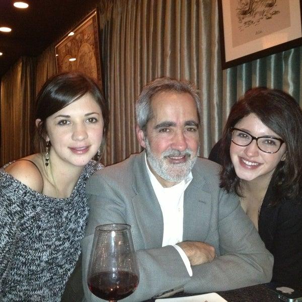 Das Foto wurde bei The Atlas Room von Cassie B. am 12/25/2012 aufgenommen