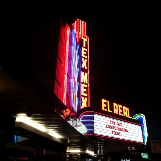 รูปภาพถ่ายที่ El Real Tex-Mex Cafe โดย Shannon Q. เมื่อ 1/20/2013