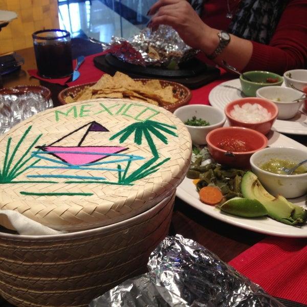 2/3/2013에 Maajo M.님이 Mexican Club에서 찍은 사진