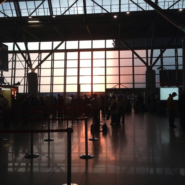 7/16/2013에 Klara B.님이 바르샤바 쇼팽 공항 (WAW)에서 찍은 사진