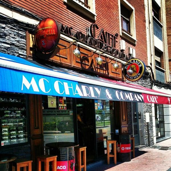 Foto tomada en Mc Charly & Company por Lucía L. el 4/23/2013