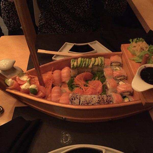 Uno de los mejores sitios de sushi al que fui.