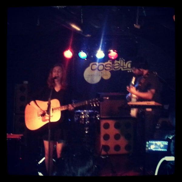 รูปภาพถ่ายที่ Costello Club โดย Juan M. เมื่อ 4/26/2013