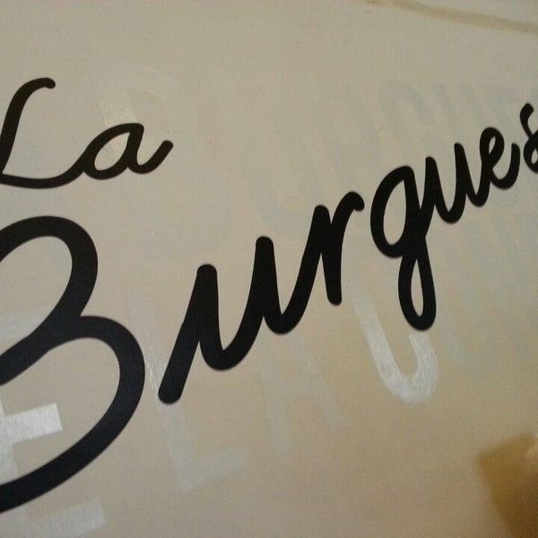 รูปภาพถ่ายที่ La Burguesa โดย Trailero S. เมื่อ 3/2/2013