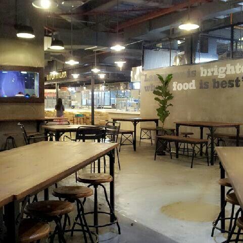 Photo Taken At Dapur Kita Food Mall By Mdsazwan E On 7 4