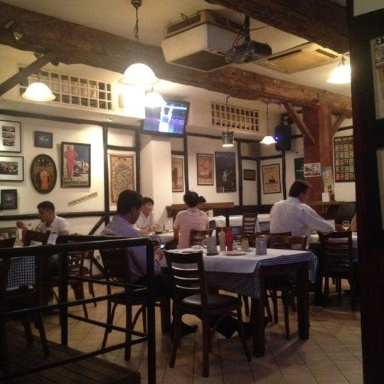 Foto tomada en Die Stube German Bar & Resto por Fajar K. el 8/7/2012