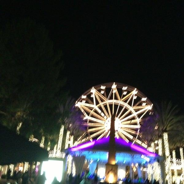 Снимок сделан в Irvine Spectrum Center пользователем Chris S. 12/24/2012
