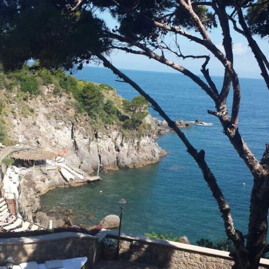 Foto tomada en Mezzatorre Resort & Spa por Megan P. el 6/21/2014