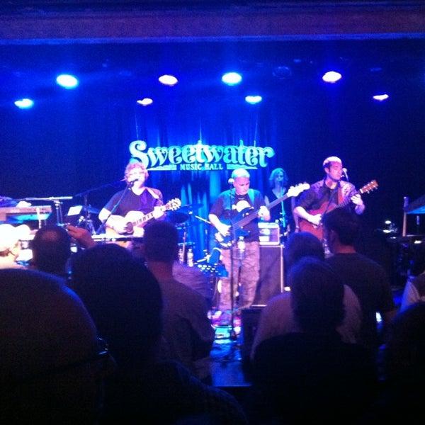 Foto tirada no(a) Sweetwater Music Hall por Dean T. em 4/14/2013