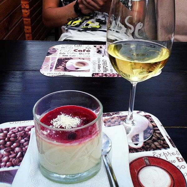 รูปภาพถ่ายที่ Café Bon Apрétit โดย Victoria L. เมื่อ 6/8/2013