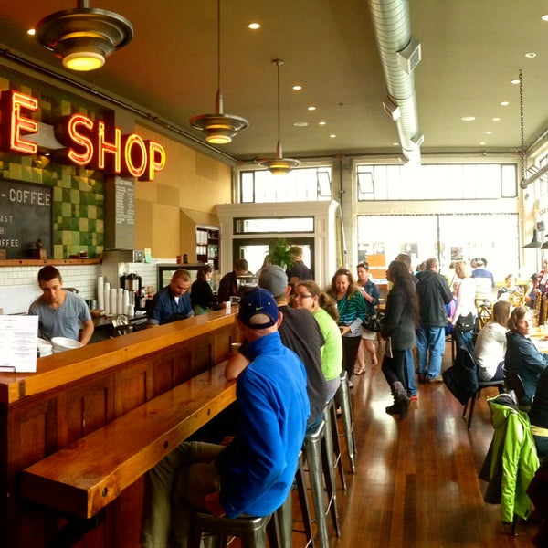 Foto diambil di Street 14 Cafe oleh Street 14 Cafe pada 1/31/2014