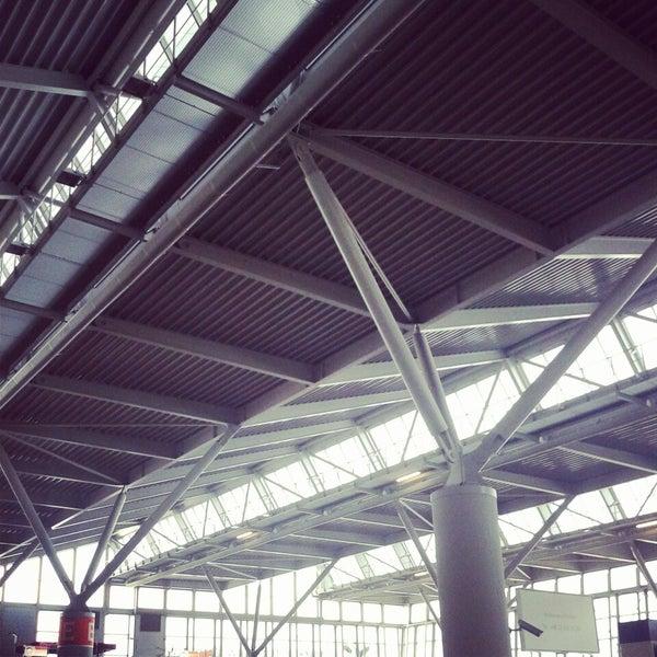 4/18/2013에 Anastasija Š.님이 바르샤바 쇼팽 공항 (WAW)에서 찍은 사진