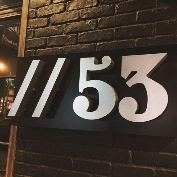 9/21/2016 tarihinde Glitterati Toursziyaretçi tarafından Pearl's Liquor Bar'de çekilen fotoğraf
