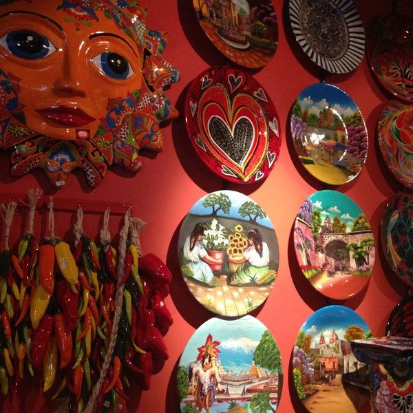 4/19/2013에 Ksenia E.님이 Mexican Club에서 찍은 사진