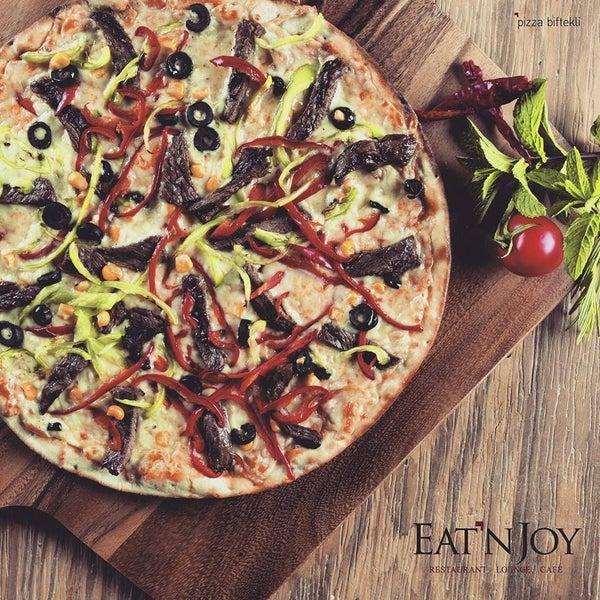 4/19/2016 tarihinde Eat'n Joy Mangalziyaretçi tarafından Eat'n Joy Mangal'de çekilen fotoğraf