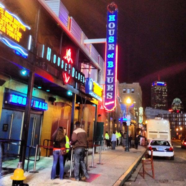 Foto diambil di House of Blues oleh AB28 pada 4/12/2013