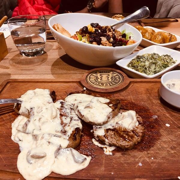 11/2/2019 tarihinde Gülden G.ziyaretçi tarafından Bonfilet Steak House & Kasap'de çekilen fotoğraf