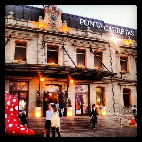 Foto tirada no(a) Punta Carretas Shopping por Camilo R. em 11/5/2013