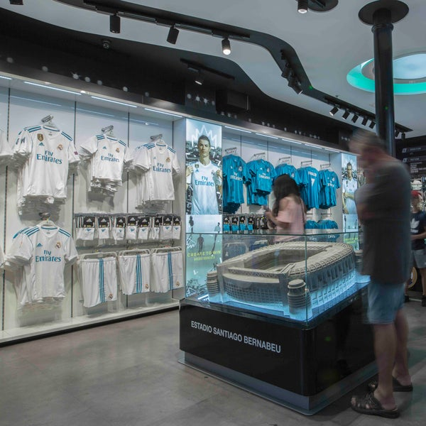 f790d2be1 Photo taken at Real Madrid Official Store by Sergio G. on 5 4