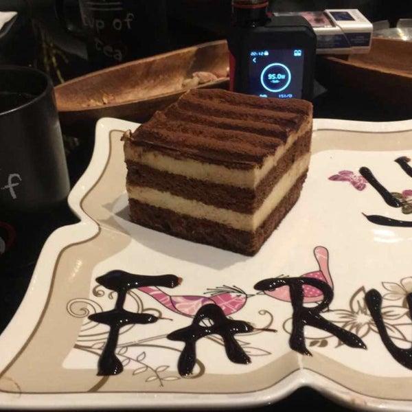 Das Foto wurde bei Social Roof FCM Cafe von Faruk Ş. am 3/1/2017 aufgenommen