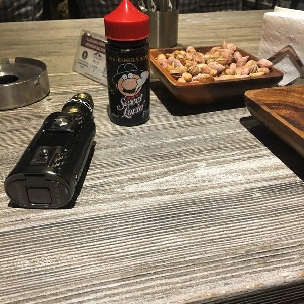 Das Foto wurde bei Social Roof FCM Cafe von Faruk Ş. am 2/16/2018 aufgenommen