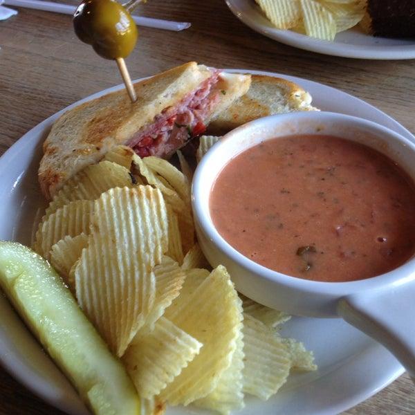 Foto tirada no(a) Hammontree's Grilled Cheese por Jason S. em 2/19/2013