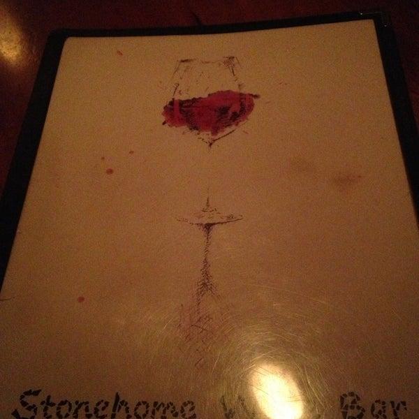 Foto scattata a Stonehome Wine Bar & Restaurant da Nate F. il 7/26/2013