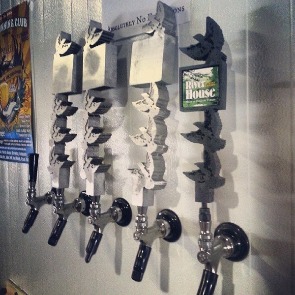 Photo taken at Martin House Brewing Company by Beer P. on 8/23/2013