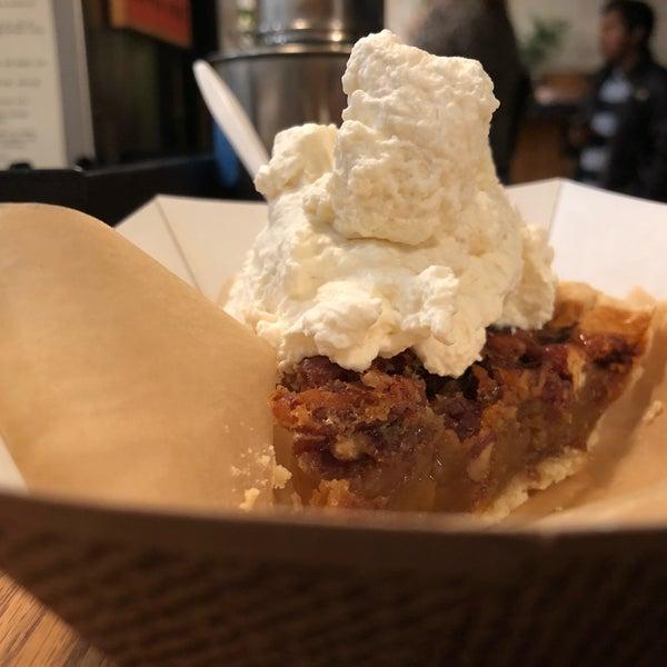 Foto tomada en Petee's Pie Company por Jeffrey D. el 11/11/2018