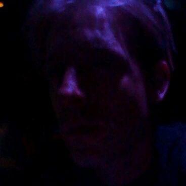 9/27/2012 tarihinde Gaetan V.ziyaretçi tarafından Raven Lounge'de çekilen fotoğraf