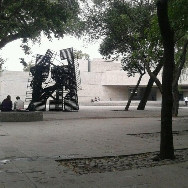 4/20/2013 tarihinde Abraham C.ziyaretçi tarafından Museo Tamayo'de çekilen fotoğraf