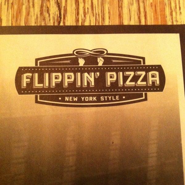 1/31/2014 tarihinde Jesus M.ziyaretçi tarafından Flippin' Pizza'de çekilen fotoğraf
