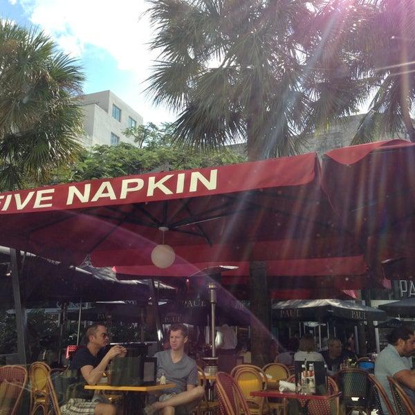 Снимок сделан в 5 Napkin Grill пользователем Paul S. 1/21/2013