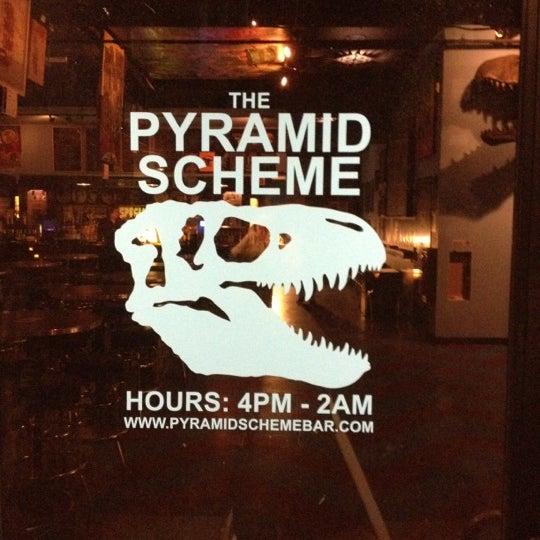 10/8/2012にHarry W.がThe Pyramid Schemeで撮った写真