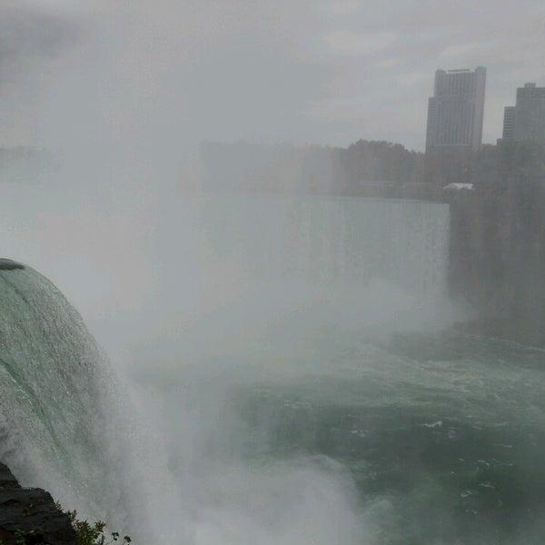 10/13/2013 tarihinde Nuha N.ziyaretçi tarafından Niagara Falls USA Official Visitor Center'de çekilen fotoğraf